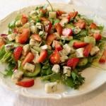 Sałatka z gorgonzolą i truskawkami