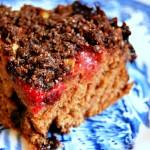 Truflowo-czekoladowe ciasto drożdżowe z owocami i otrębową kruszonką