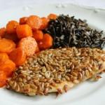 Kurczak ze słonecznikiem, pieczoną marchewką i dzikim ryżem