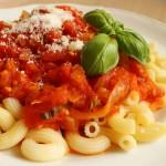 Sos ze świeżych pomidorów z bazylią i parmezanem