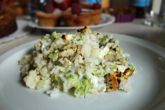 Zapiekanka z ryżem, kurczakiem i fetą