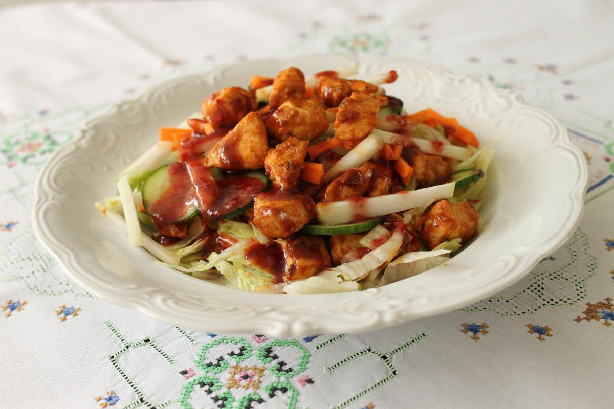 Grecka Salatka z Kurczakiem sa Atka z Kurczakiem i