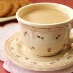 Kawa z białą czekoladą i wodą różaną