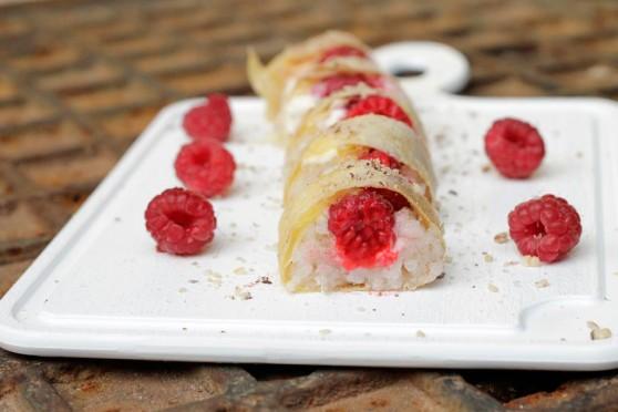 13-07-21-słodkie-sushi-z-twarożkiem-i-malinammi