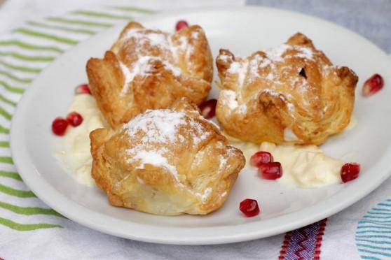 Francuskie-z-jabłkami,-mango-i--Almette