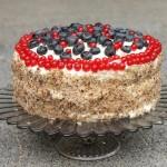 Tort orzechowo-śmietanowy