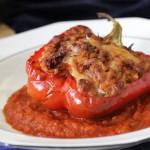 Papryka faszerowana mięsem i suszonymi pomidorami