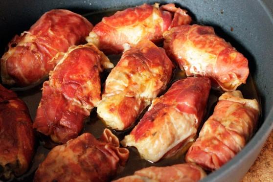 Roladki-z-kurczaka-z-ziołami-w-szynce-parmeńskiej