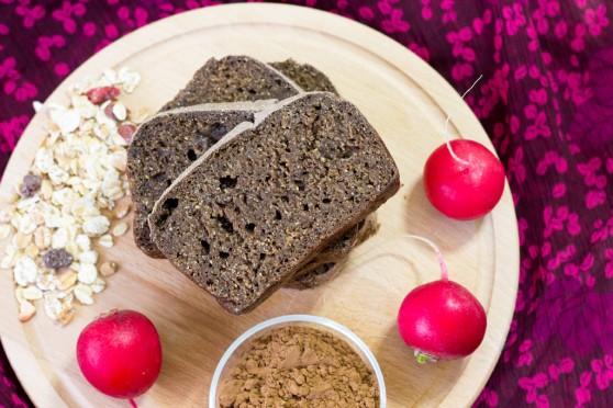 Chleb-na-zakwasie-z-karobem