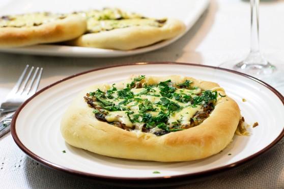 Pizzerinki-z-kapustą-i-pieczarkami