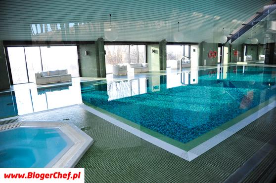 Super basen w Poziom 511 Design Hotel & SPA