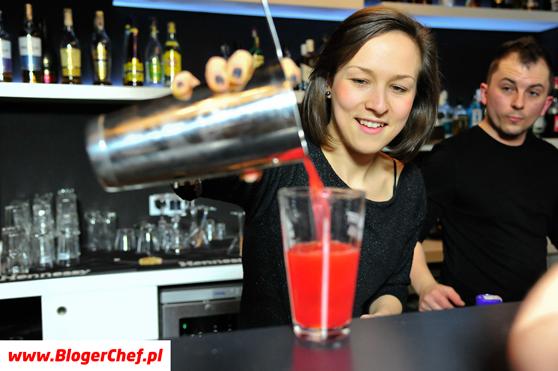 Magda, Marek i kolorowy drink.