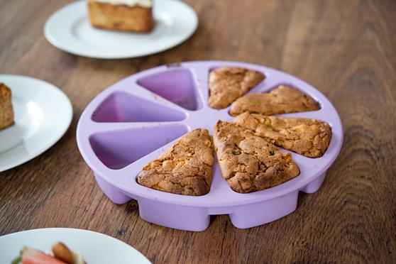 Migdałowe mini-keksy z jabłkami i skórką pomarańczową