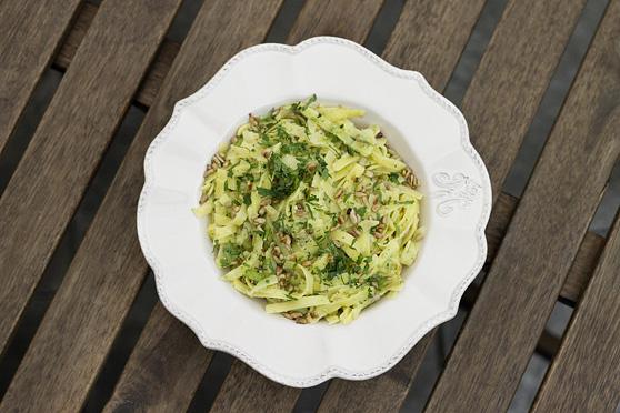 Bezglutenowy makaron z pesto brokułowo-słonecznikowym