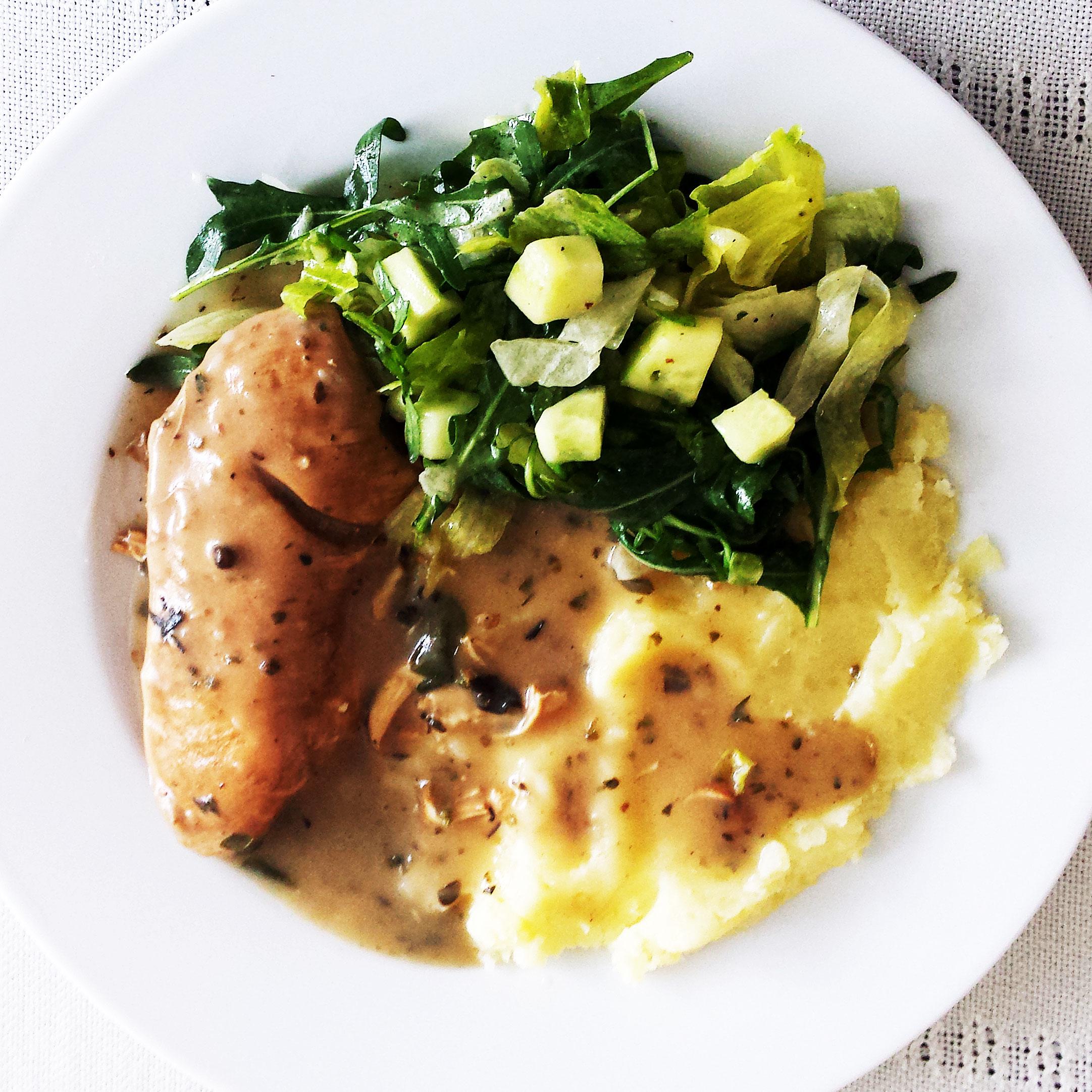 Kurczak-w-sosie-pieczeniowym-z-ziemniakami