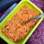 Surówka z marchewki z natką pietruszki
