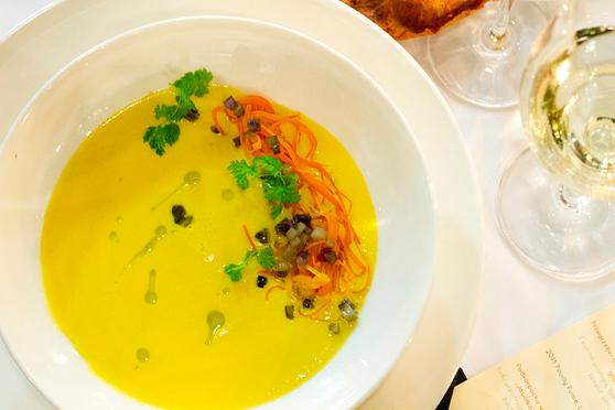 Krem z topinamburu, oliwa tymiankowa