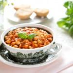 Potrawka z soi z pomidorami i kurczakiem