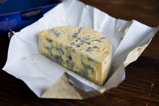Castello Creamy Blue w przekroju