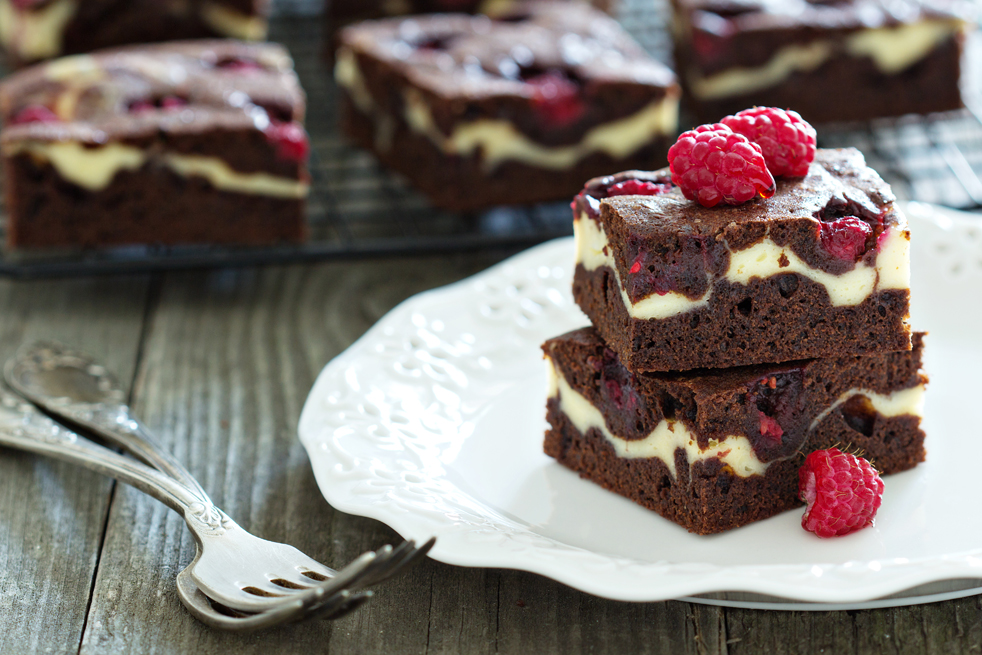 Brownies z serem i malinami