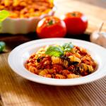 Drobiowy sos pomidorowy z pieczarkami i szpinakiem