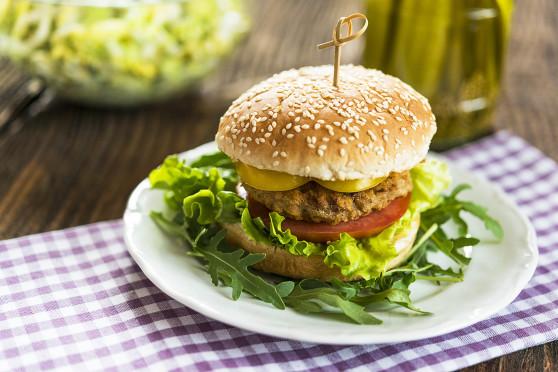 Soczyste burgery z udek kurczaka (1)
