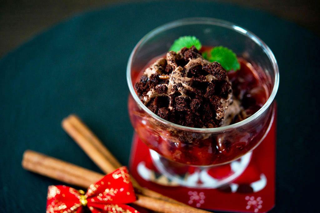 Carte-d'Or-Chocolate-Brownie-z-korzennymi-wiśniami-i-wiśniówką-(1)