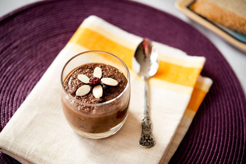 Jęczmienianka czekoladowa z suszonymi śliwkami