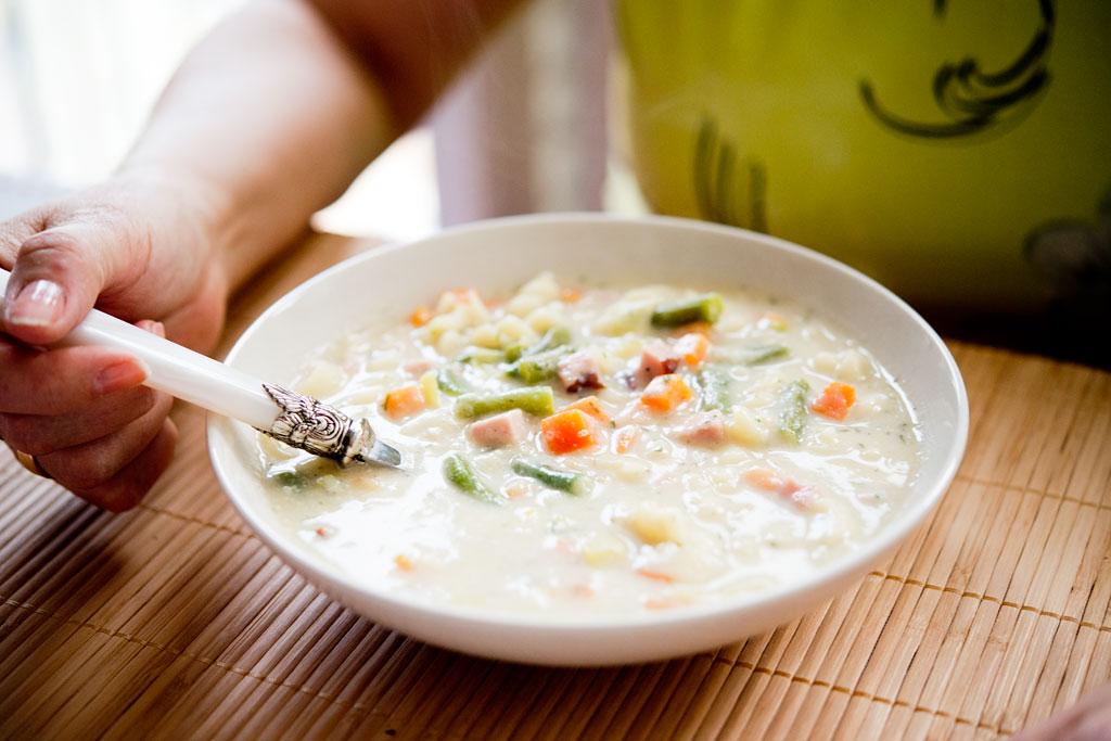 Zupa jarzynowa na kremie kalafiorowym