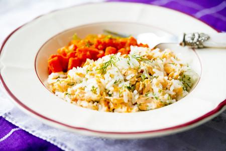Łosoś z ryżem i marchewką