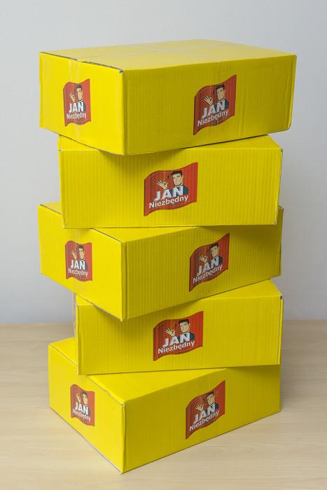 To paczki, które czekają w biurze na zwycięzców tego konkursu.