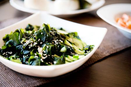 Sunomono, czyli japońska sałatka z ogórka