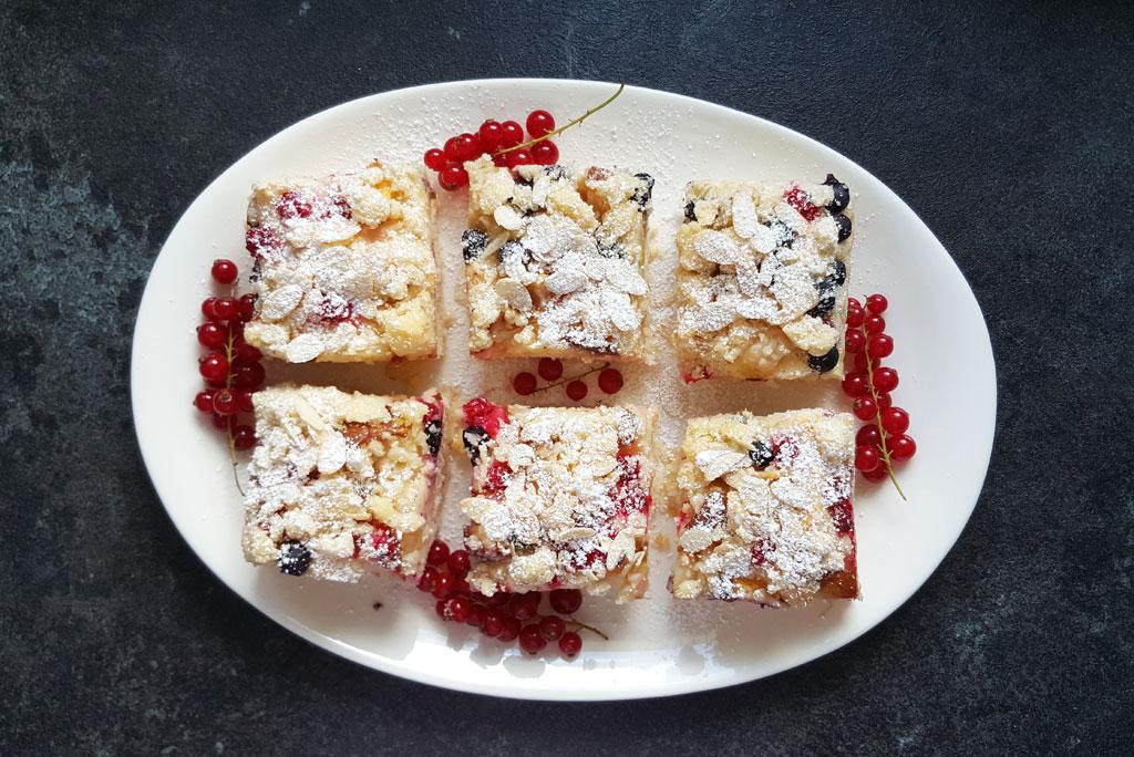 Ciasto drożdżowe z porzeczkami