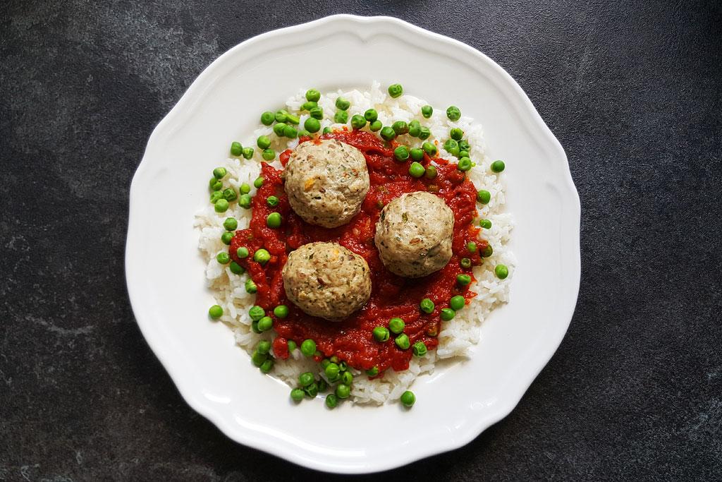 Pulpeciki-w-sosie-pomidorowym