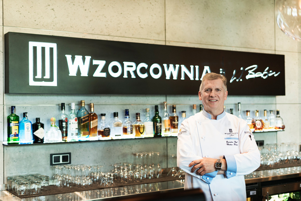 """Wiesław Bober - szef kuchni restauracji """"Wzorcowna"""", w Fabryce Wełny."""