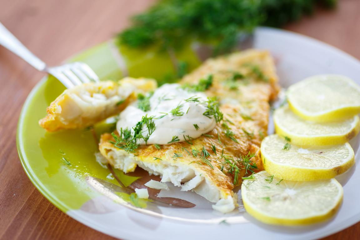 Intensywny w smaku kozi ser może ciekawie uzupełnić smak białej ryby.