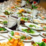 Święta, święta i po świętach – jak poradzić sobie z nadmiarem żywności z wigilii i świąt i co zrobić na Sylwestra